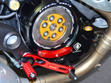 Clutch cover for oil bath clutch black/red Ducabike for Ducati Monster 1100 EVO  – Image 3