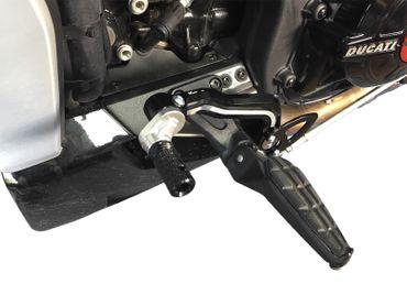 Kit de contrôle du cavalier noir/argent CNC-Racing Ducati XDiavel – Image 3