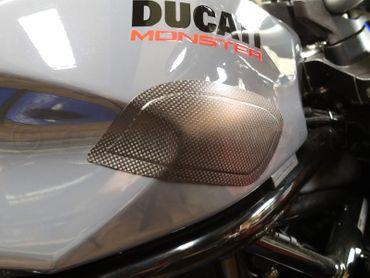 002DM17MATT Carbonworld Tankschoner carbon für Ducati Monster 797 821 1200  – Bild 4