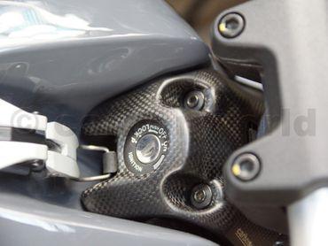 005DM17MATT Carbonworld Zündschlossabdeckung carbon für Ducati Monster 797 821 1200  – Bild 4