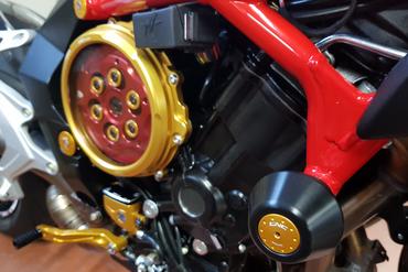 Sturzpads rot CNC Racing für MV Agusta Brutale 800 – Bild 2