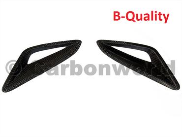 Aérations de selle en carbone pour Ducati  Streetfighter – Image 1