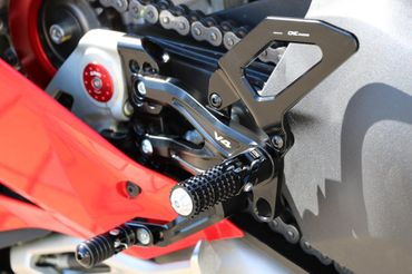 Footpegs silver/black CNC Racing for Ducati Panigale V4 – Image 10