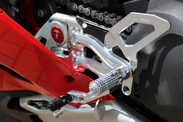 Footpegs silver/black CNC Racing for Ducati Panigale V4 – Image 16