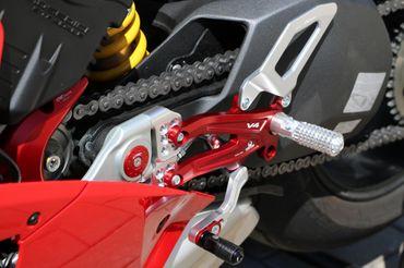 PE406PR Fußrastenanlage klappbar Pramac Racing CNC Racing Ducati Panigale V4 – Bild 7