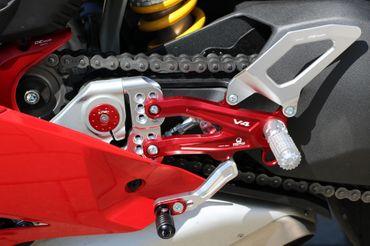PE406PR Fußrastenanlage klappbar Pramac Racing CNC Racing Ducati Panigale V4 – Bild 8