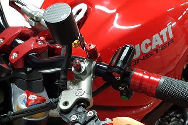 MRA13 Verschlussstopfen Spiegelaufnahme M8 Rechtsgewinde CNC Racing für Ducati – Bild 2