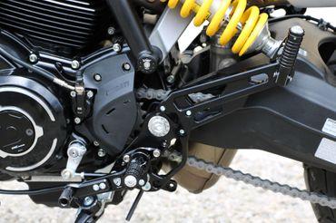 PE445B Fußrastenanlage CNC Racing für Ducati Scrambler 1100 – Bild 4