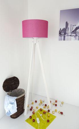 Tripod Stehlampe Stehleuchte Deckenfluter Fusia Textil Schirm / Weiß Naturholzfüße – Bild 1