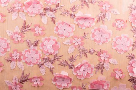 Tüll mit Blumen Stickerei in rosa oder weiß – Bild 3