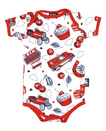 Cherry Garage Baby Body Strampler v. Six Bunnies