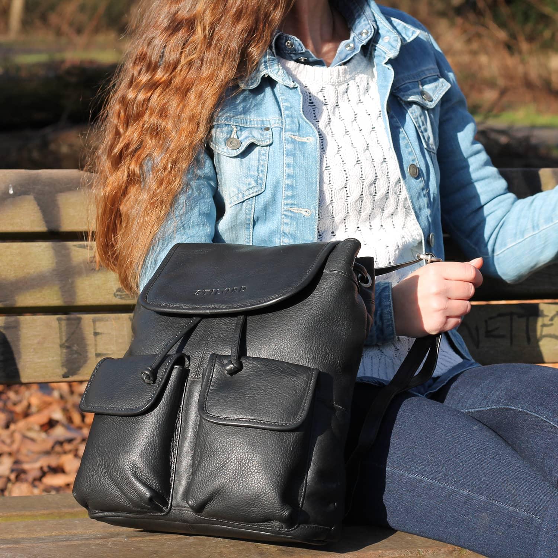 Schwarzleder Tasche