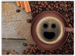 Glasunterlage Lustige Kaffeetasse mit einem Lächeln - Kaffeebohnen und Zimt – Bild 1