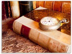 Glasunterlage Antike Laterne mit Kerze  alten Büchern und Taschenuhr – Bild 1