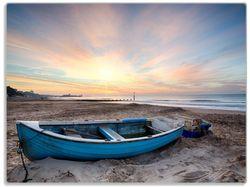Glasunterlage Fischerboot am Strand bei Sonnenuntergang – Bild 1