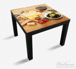 Möbelfolie Genuss am Abend - Rotwein, Käseplatte, Oliven und Tomaten – Bild 1