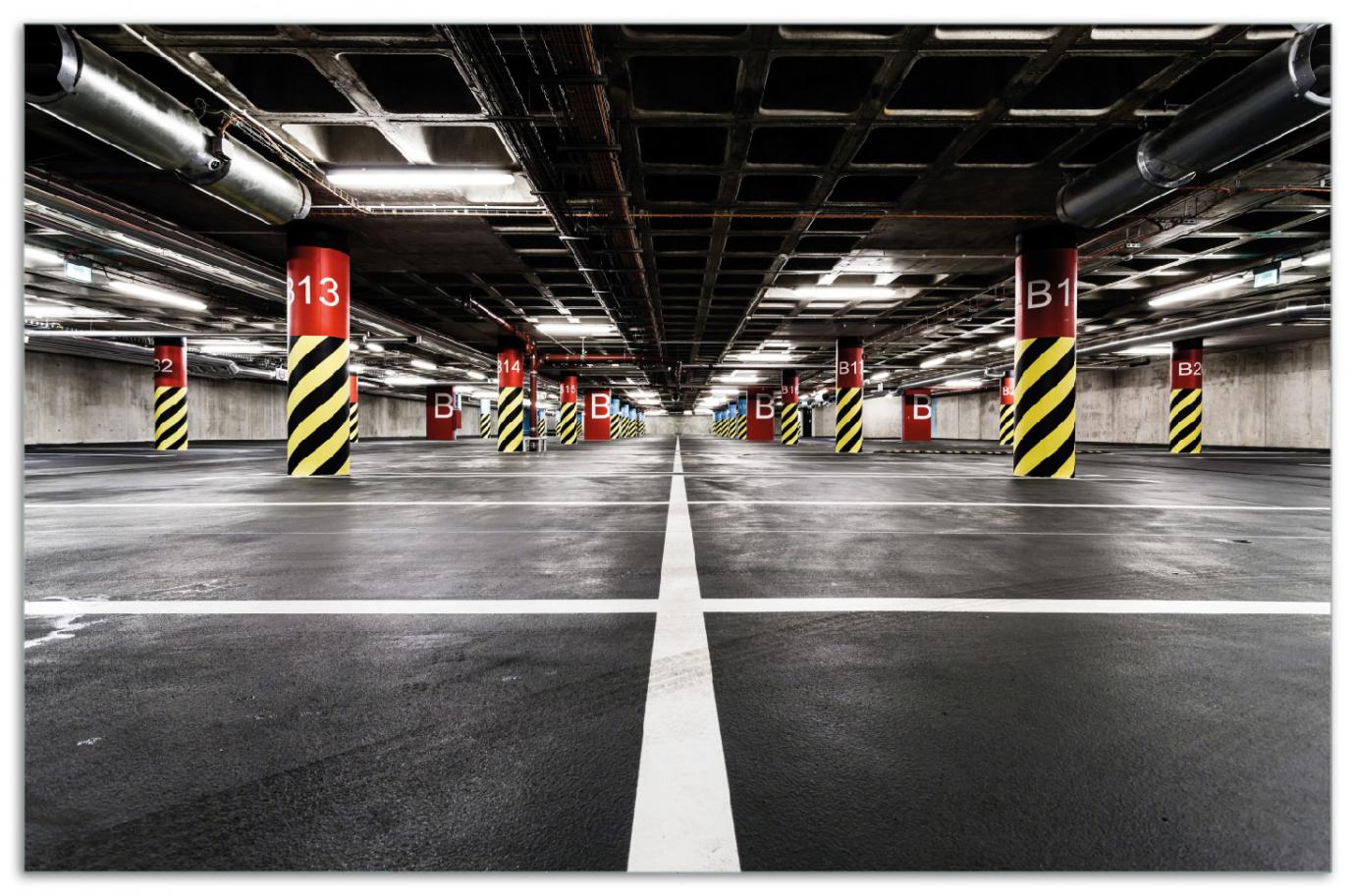 Herdabdeckplatte Perspektive von unten  leeres Parkhaus im Untergrund – Bild 1