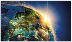 Herdabdeckplatte Erde im Weltall im Sonnenschein