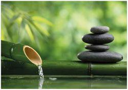 Wandbild Steinstapel und Bambus auf dem Wasser – Bild 1