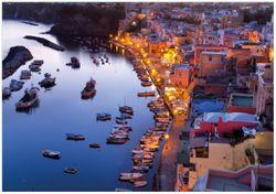 Wandbild Hafen bei Nacht - Italien hell erleuchtet – Bild 1