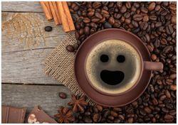 Wandbild Lustige Kaffeetasse mit einem Lächeln - Kaffeebohnen und Zimt – Bild 1