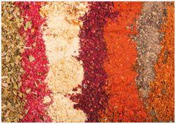Wandbild Bunte Gewürze in Streifen - Chili, Curry usw. – Bild 1