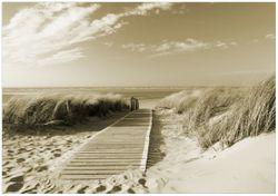 Wandbild Auf dem Holzweg zum Strand in Sepiafarben – Bild 1
