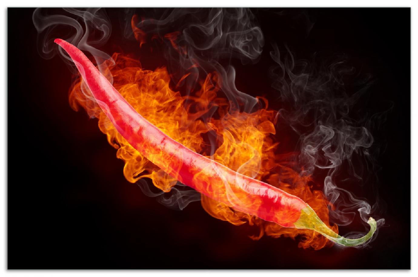 Herdabdeckplatte Heiße, brennende Chili-Schote vor schwarzem Hintergrund – Bild 1