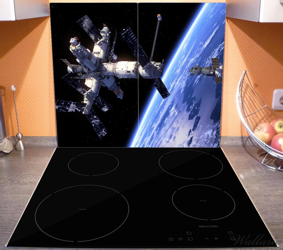 Herdabdeckplatte Raumfahrt - Raumstation und Raumschiff im Weltall – Bild 3