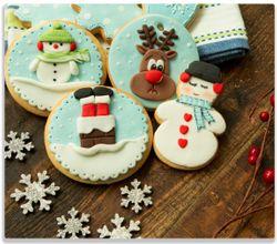 Herdabdeckplatte Weihnachten in der Küche -  Plätzchen auf einem Holztisch – Bild 1