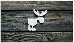 Herdabdeckplatte Elch Symbol in weiß, vor dunklem Holz – Bild 1