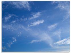 Glasunterlage Blauer Himmel mit vereinzelten Wolken – Bild 1