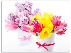 Glasunterlage Zwei Blumen-Bouquets aus gelben und roten Tulpen und Flieder – Bild 1