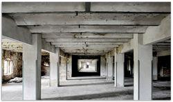 Herdabdeckplatte Alte Industriehalle im Kellergeschoss - einsame Lagerhalle einer Brauerei – Bild 1