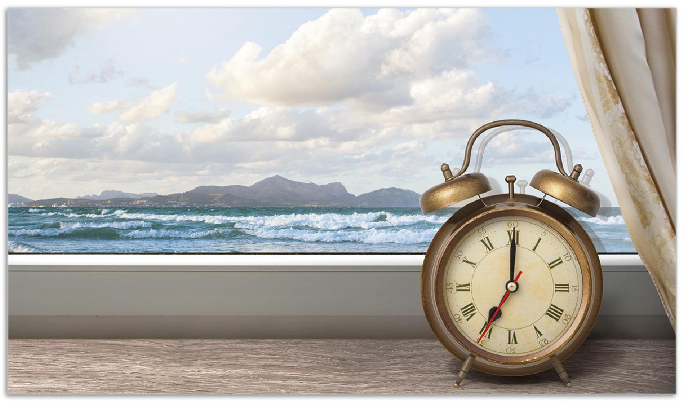 Herdabdeckplatte Guten Morgen Sagt Das Meer Wecker Und Vorhang Am Fenster