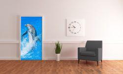 Selbstklebende Türtapete Fröhlicher Delfin im blauen Wasser – Bild 4