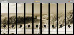 Ordnerrücken Sticker Auf dem Holzweg zum Strand in Sepiafarben