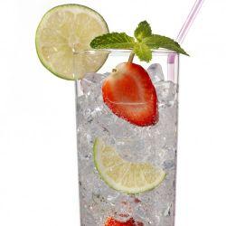 Möbelfolie Glas Wasser mit Erdbeeren – Bild 3