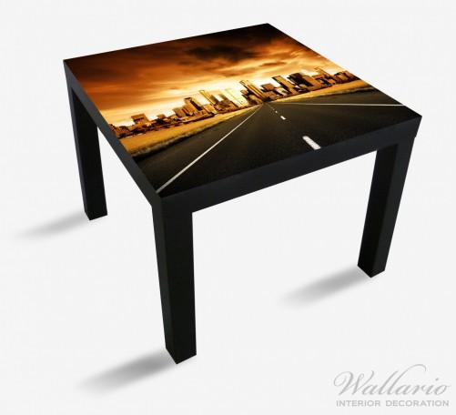 Möbelfolie Skyline am Ende der Straße – Bild 1