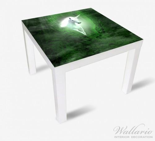 Möbelfolie Weißes Einhorn im grünen Wald – Bild 2