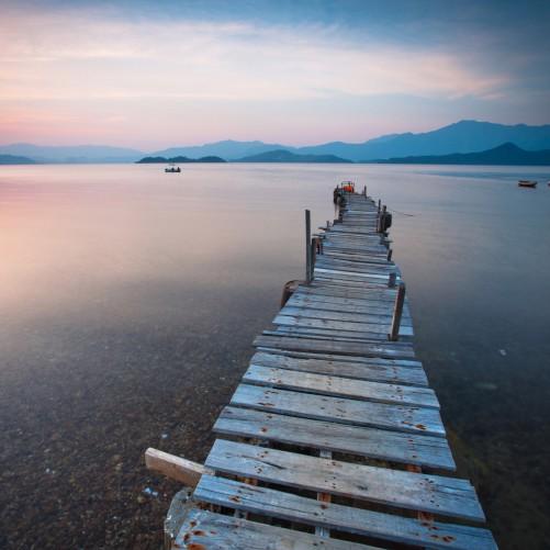 Möbelfolie Steg am See- Idylle bei Sonnenuntergang – Bild 3