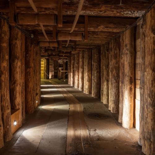 Möbelfolie Alter Tunnel in einer Salzmine in Polen – Bild 3