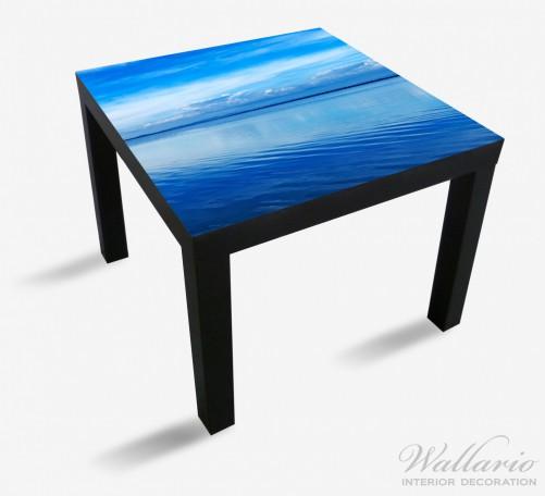 Möbelfolie Blaue Meeresbucht in Italien mit Spiegelung im Wasser – Bild 1