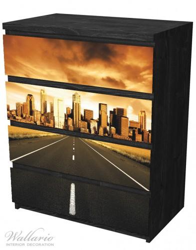 Möbelfolie Skyline am Ende der Straße – Bild 4