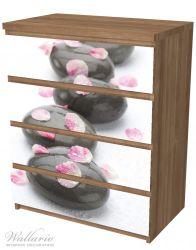 Möbelfolie Dunkle Steine mit Blütenblättern – Bild 6