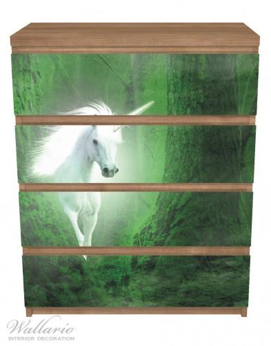 Möbelfolie Weißes Einhorn im grünen Wald – Bild 3