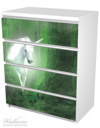 Möbelfolie Weißes Einhorn im grünen Wald – Bild 5