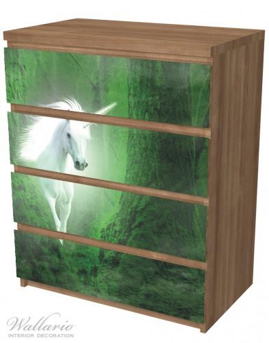 Möbelfolie Weißes Einhorn im grünen Wald – Bild 6