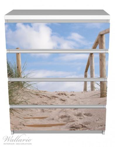 Möbelfolie Auf der Holztreppe zum Strand – Bild 2