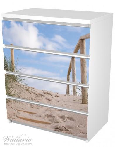 Möbelfolie Auf der Holztreppe zum Strand – Bild 5